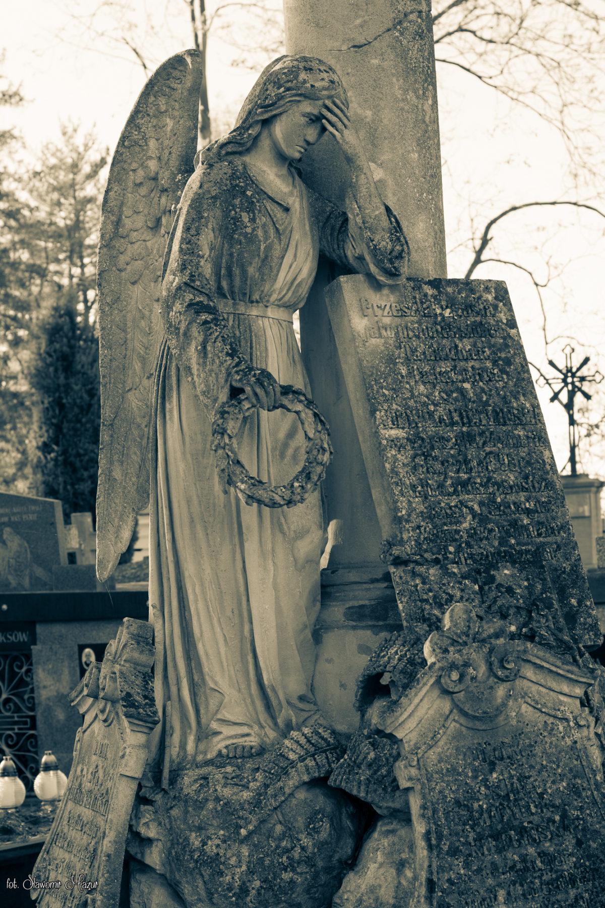 Zasmucony Anioł